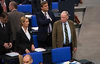 DEU, Deutschland, Germany, Berlin, 24.10.2017: Alice Weidel und Alexander Gauland, Vorsitzende der Bundestagsfraktion der Partei Alternative für Deutschland (AfD) bei der konstituierenden Sitzung des 19. Deutschen Bundestags mit Wahl des Bundestagspräsidenten.
