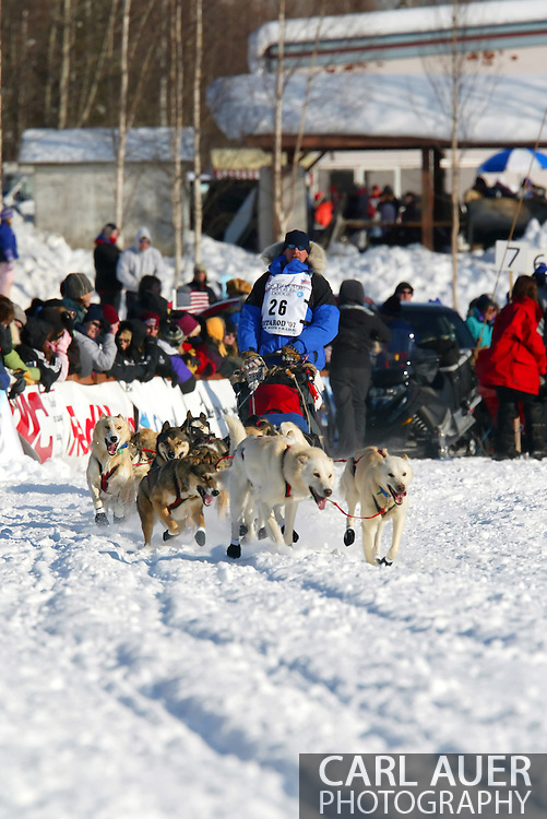 3/4/2007:  Willow, Alaska -  Veteran Scott Smith of Willow, AK in the 35th Iditarod Sled Dog Race