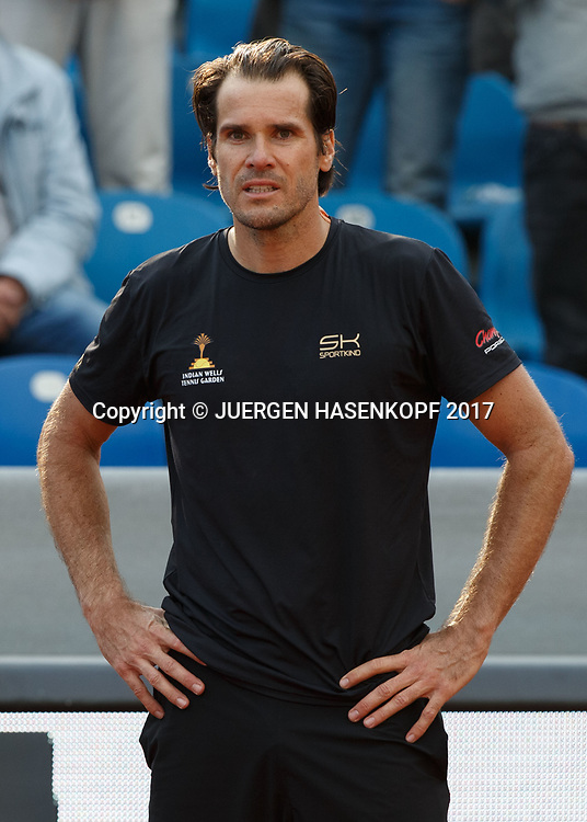TOMMY HAAS (GER) wartet nach Spielende auf eine Ehrung,<br /> <br /> Tennis - BMW Open2017 -  ATP  -  MTTC Iphitos - Munich -  - Germany  - 3 May 2017.