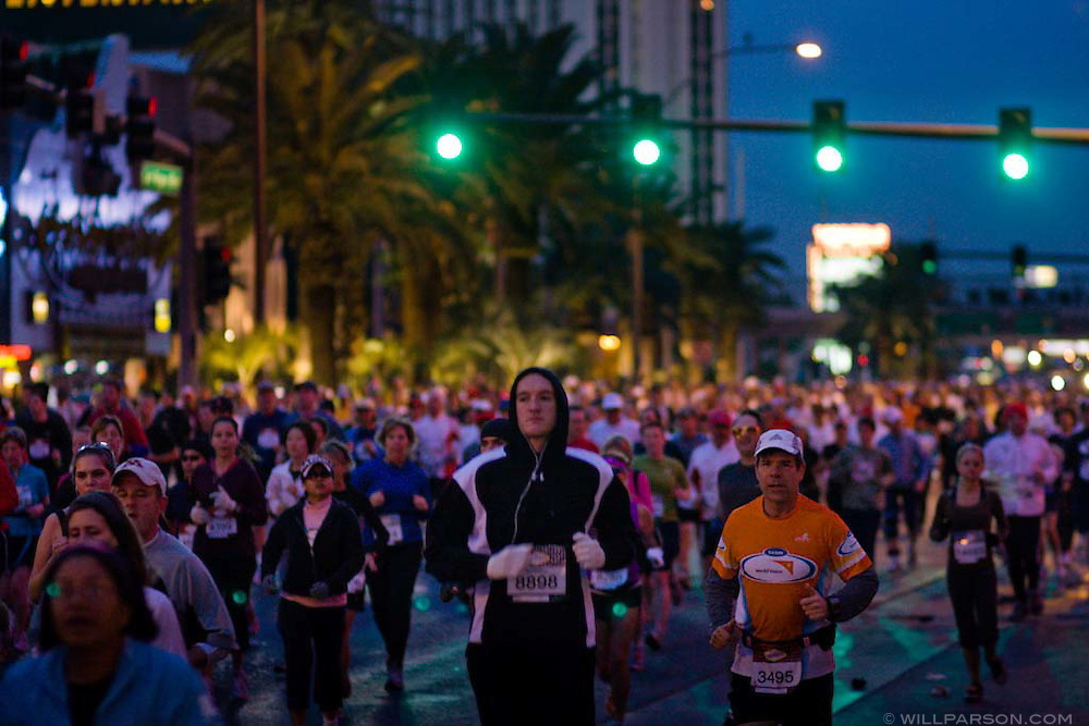 The 2008 Las Vegas Marathon begins on the morning of December 07, 2008 on Las Vegas Boulevard.