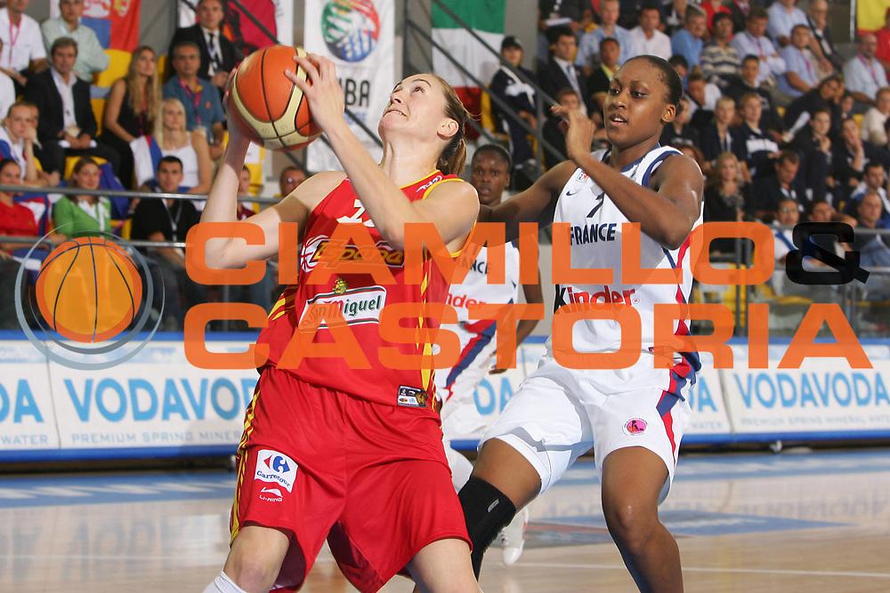 DESCRIZIONE : Ortona Italy Italia Eurobasket Women 2007 Francia Spagna France Spain <br /> GIOCATORE : Marta Zurro <br /> SQUADRA : Spagna Spain <br /> EVENTO : Eurobasket Women 2007 Campionati Europei Donne 2007 <br /> GARA : Francia Spagna France Spain <br /> DATA : 01/10/2007 <br /> CATEGORIA : Penetrazione VodaVoda <br /> SPORT : Pallacanestro <br /> AUTORE : Agenzia Ciamillo-Castoria/S.Silvestri <br /> Galleria : Eurobasket Women 2007 <br /> Fotonotizia : Ortona Italy Italia Eurobasket Women 2007 Francia Spagna France Spain <br /> Predefinita :