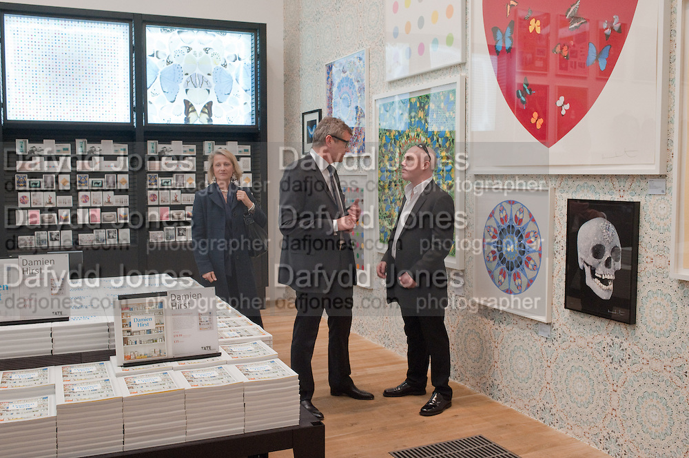 JAY JOPLING; DAMIEN HIRST  IN THE SHOP IN HIS EXHIBITION, Damien Hirst, Tate Modern: dinner. 2 April 2012.