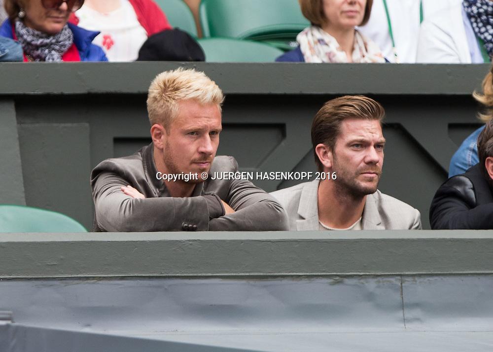 Wimbledon Feature, L-R.Fussballer Mike Hanke und Thorben Marx sitzen in einer Loge auf dem Centre Court,<br /> <br /> Tennis - Wimbledon 2016 - Grand Slam ITF / ATP / WTA -  AELTC - London -  - Great Britain  - 5 July 2016.