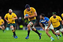 Dean Mumm of Australia goes on the attack - Mandatory byline: Patrick Khachfe/JMP - 07966 386802 - 08/10/2016 - RUGBY UNION - Twickenham Stadium - London, England - Argentina v Australia - The Rugby Championship.