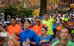 06-11-2016 USA: NYC Marathon We Run 2 Change Diabetes day 3, New York<br /> De dag van de marathon, 42 km en 195 meter door de straten van Staten Island, Brooklyn, Queens, The Bronx en Manhattan / Erik