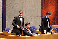 Nederland. Den Haag, 18 februari 2010. Bos, Balkenende en Rouvoet in vak K. Spoeddebat in de Tweede Kamer over de ontstane crisissituatie binnen het kabinet over Uruzgan, daags voor de val van het vierde kabinet Balkenende. Een dag later valt het kabinet. kabinetscrisis, vak kabinet, Balkenende IV, Balkenende Vier, politiek, coalitie<br />  Foto Martijn Beekman