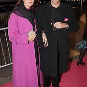 NLD/Amsterdam/20080929 - Pink Ribbon gala 2008, Liz Snoyink en haar Argentijnse partner Hector Heraldo Hallardo