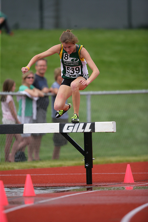(Charlottetown, Prince Edward Island -- 20090719) Rebecca Pieterson of ST Thomas Legion Tfc competes in the 2000m steeplechase finals at the 2009 Canadian Junior Track & Field Championships at UPEI Alumni Canada Games Place on the campus of the University of Prince Edward Island, July 17-19, 2009.  Geoff Robins / Mundo Sport Images ..Mundo Sport Images has been contracted by Athletics Canada to provide images to the media.