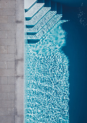 THEMENBILD - ein Swimmingpool, aufgenommen am 25. Juni 2019 in Kaprun, Österreich // a swimming pool, Kaprun, Austria on 2019/06/25. EXPA Pictures © 2019, PhotoCredit: EXPA/ JFK