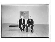 Michael Craig-Martin, Howard Hodgkin Bonnard dinner, Tate gallery 9th February 1998© Copyright Photograph by Dafydd Jones 66 Stockwell Park Rd. London SW9 0DA Tel 020 7733 0108 www.dafjones.com