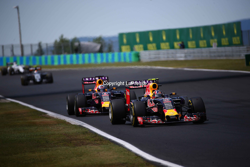 &copy; Photo4 / LaPresse<br /> 26/07/2015 Budapest, Hungary<br /> Sport <br /> Grand Prix Formula One Hungary 2015<br /> In the pic: Daniil Kvyat (RUS) Red Bull Racing RB11 and Daniel Ricciardo (AUS) Red Bull Racing RB11