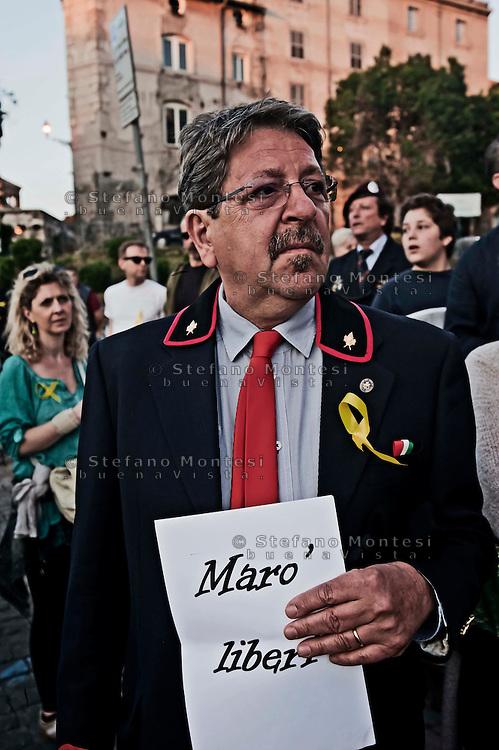 Roma 12 Maggio 2012.Fiaccolata di solidarietà in favore dei due marò Massimiliano Latorre e Salvatore Girone detenuti in India da tre mesi.