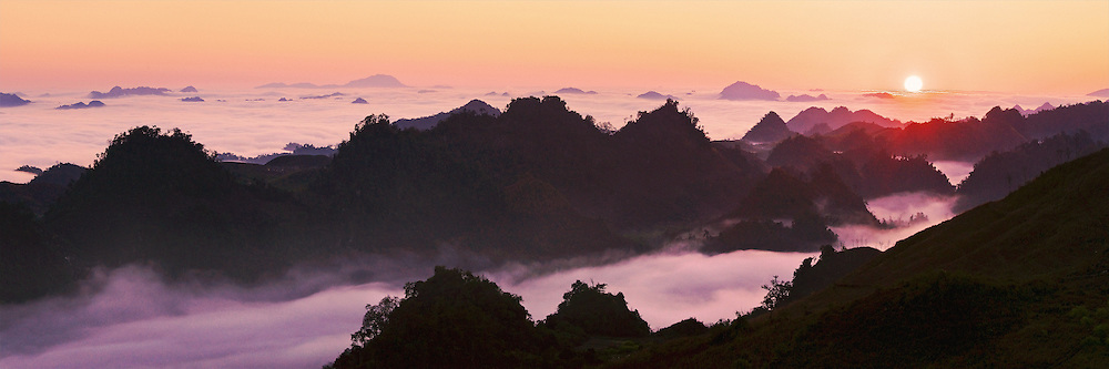 Vietnam Images-landscape-Moc Chau highland in the North of Vietnam covered by morning cloud.