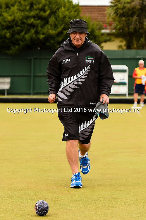 Mike Kernaghan (NZL) during the World Bowls Championships, Christchurch, New Zealand, 1st December 2016. © Copyright Photo: John Davidson / www.photosport.nz