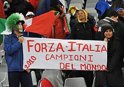 Football - soccer: FIFA World Cup South Africa 2010, Italy (ITA) - Paraguay (PRY), TIFOSI ITALIANI ESPONGONO UNO STRISCIONE PER GLI AZZURRI CAMPIONI DEL MONDO