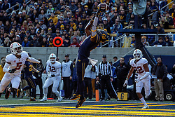 BERKELEY, CA - DECEMBER 01: Wide receiver Jordan Duncan #2 of the California Golden Bears jumps for but is unable to catch a pass in the end zone during the second quarter against the Stanford Cardinal at California Memorial Stadium on December 1, 2018 in Berkeley, California. (Photo by Jason O. Watson/Getty Images) *** Local Caption *** Jordan Duncan