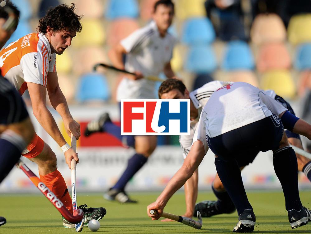 Monchengladbach - Champions Trophy men<br /> England vs Netherlands 4-3<br /> foto: Robert van der Horst<br /> FFU Press Agency  COPYRIGHT Frank Uijlenbroek