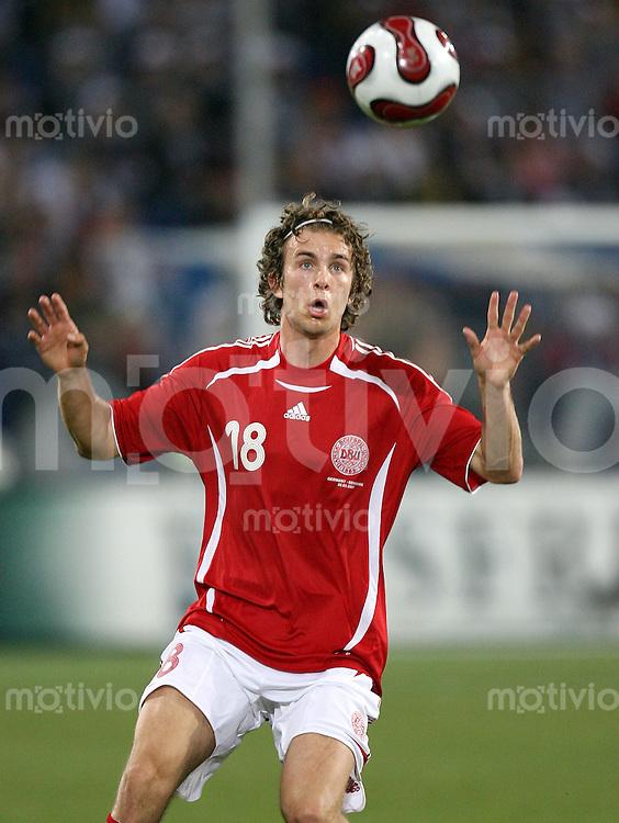 Fussball  International  2006/20007 Dennis SOERENSEN (Daenemark), Einzelaktion am Ball