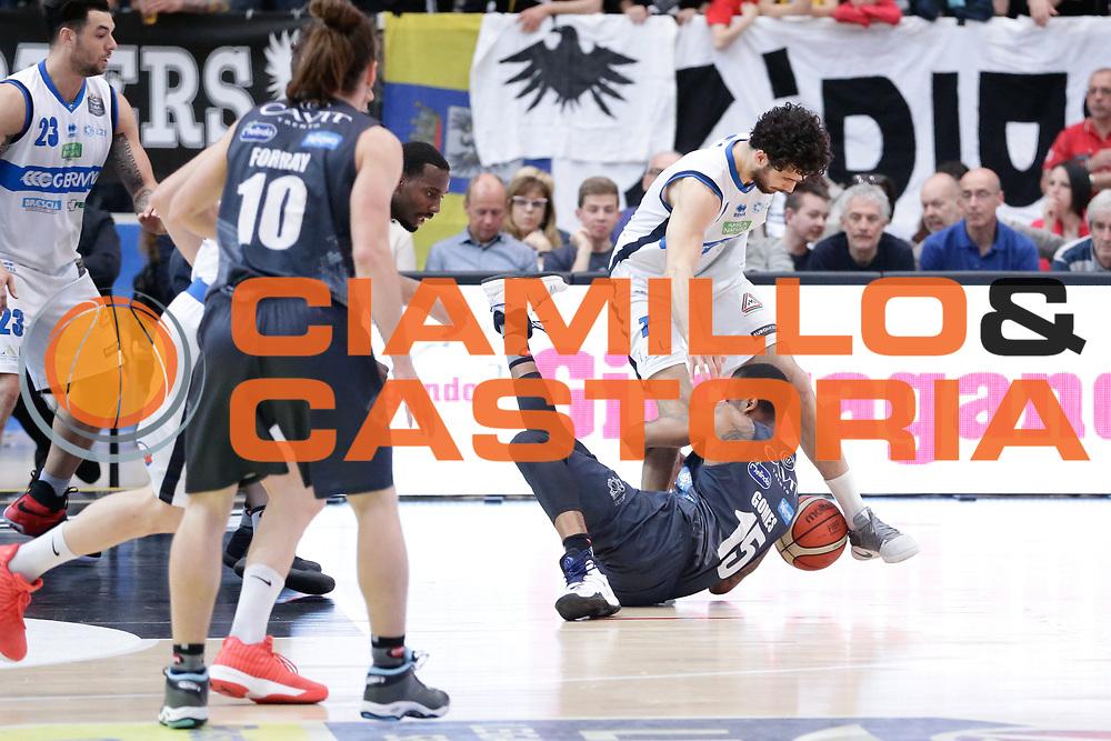 Vitali Luca, Joao Beto Gomes<br /> Dolomiti Energia Aquila Basket Trento - Germani Basket Brescia Leonessa<br /> Lega Basket Serie A 2016/2017<br /> PalaTrento, 23/04/2017<br /> Foto Ciamillo-Castoria / M. Brondi