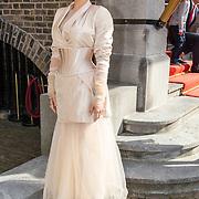 NLD/Den Haag/20170919 - Prinsjesdag 2017, Schoenen van Victoria Koblenko samen met schoenen van Staphorster klederdracht