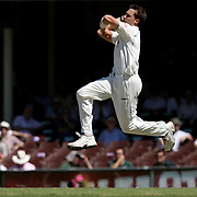 South African bowler Dale Styne in action during day four of the third test match between Australia and South Africa at the Sydney Cricket Ground on January 6, 2009 in Sydney, Australia. Photo Tim Clayton