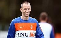 Fotball<br /> Nederland / Holland<br /> Foto: Gepa/Digitalsport<br /> NORWAY ONLY<br /> <br /> 21.05.2010<br /> <br /> FIFA Weltmeisterschaft 2010 in Suedafrika, Vorberichte, Vorbereitung Nationalteam Niederlande, Trainingslager. <br /> <br /> Bild zeigt Andre Ooijer (NED).
