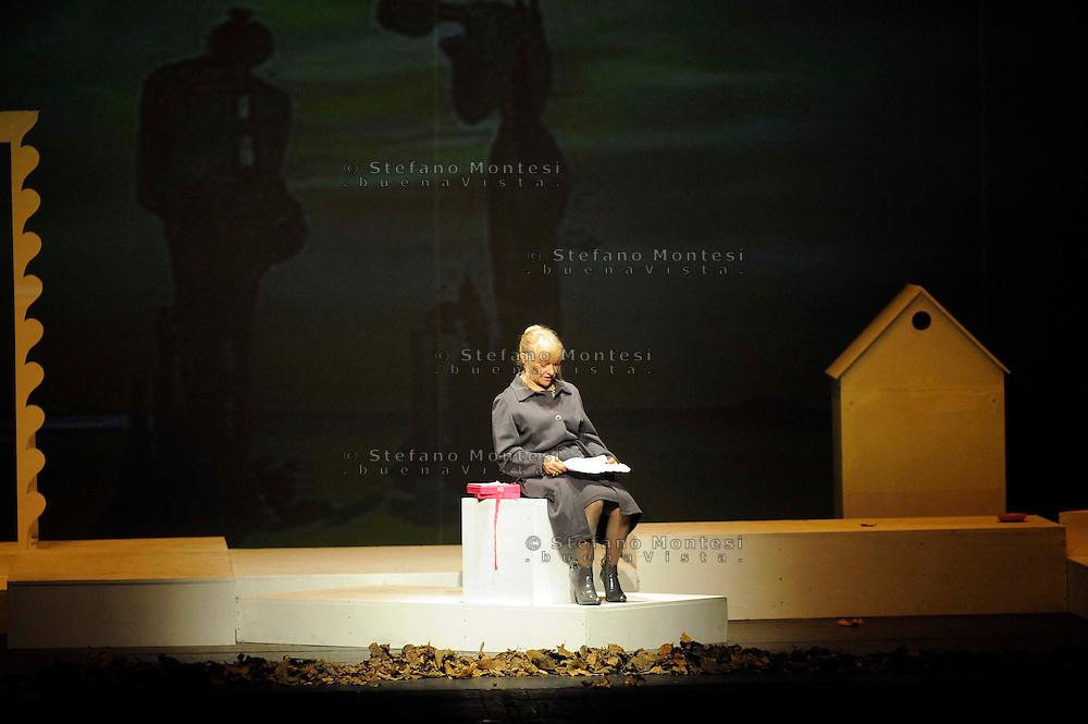 """Roma 27 Novembre 2009..Teatro Orione.""""Là dove c'era l'erba"""" spettacolo teatrale  con la regia di Carlo Del Giudice gli interpreti sono gli ospiti dell'Ostello Caritas """"Don Luigi Di Liegro""""."""