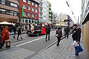 Mannheim. 10.02.18 | <br /> Närrische Bootsfahrt mit dem Mannheimer Stadtprinzenpaar Miriam I. und Marcus I. <br /> Danch kleiner Umzug mit Gefolge zum Mannheimer Marktplatz über die Planken zum Wasserturm mit Fahrt im Riesenrad.<br /> Bild: Markus Prosswitz 10FEB18 / masterpress (Bild ist honorarpflichtig - No Model Release!) <br /> BILD- ID 03947 |