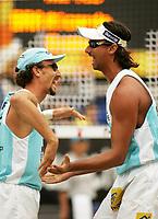 Volleyball, Sandvolleyball, World Tour Stavanger, Grand Slam, 03/07-05, <br />Emanuel og Ricardo (Brasil) jubler etter poeng i finalen som de tilslutt vant,<br />Foto: Sigbjørn Hofsmo, Digitalsport
