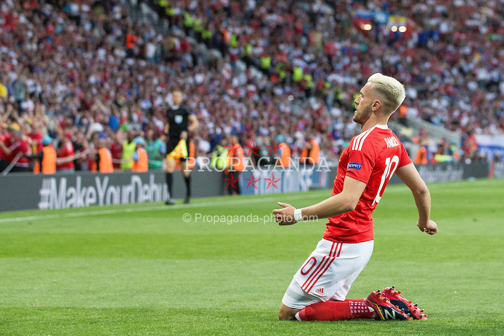 TOULOUSE, FRANCE - Monday, June 20, 2016: Wales' Aaron Ramsey celebrates scoring his sides first goal during the final Group B UEFA Euro 2016 Championship match against Russia at Stadium de Toulouse. (Pic by Paul Greenwood/Propaganda)