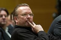 """08 NOV 2003, BERLIN/GERMANY:<br /> Rainer Wend, MdB, SPD, Diskussionsveranstaltung unter dem Motto """"Die neue SPD: Meschen staerken. Wege oeffnen."""" zur Vorstellung eines Entwurfs fuer ein neues Grundsatzprogramm der SPD von SPD Bundestagsabgeordneten des Netzwerks, Willy-Brandt-Haus<br /> IMAGE: 20031108-01-079"""