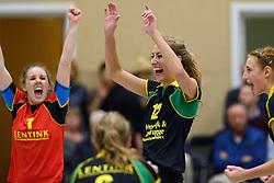 12-12-2015 NED: Prima Donna Kaas Huizen - VV Utrecht, Huizen<br /> In de Topdivisie verslaat PDK Huizen vv Utrecht met 3-1 / Romy Beck #1, Eva Hilhorst #12