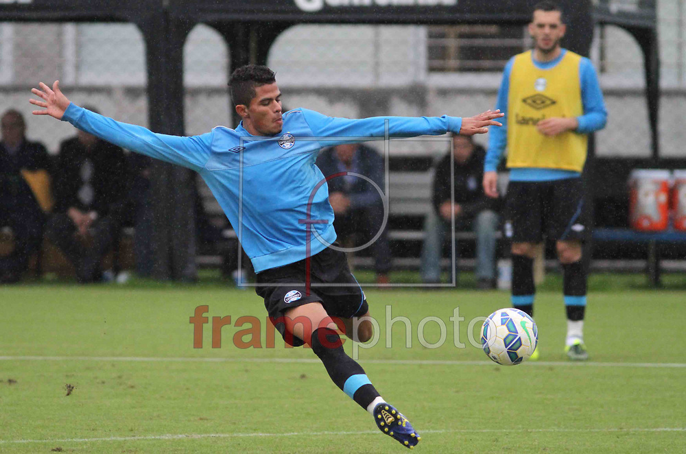 Futebol - Treino  - Lucas Ramon , durante  o treino do Grêmio, no CT Luiz Carvalho. Foto: Luciano Leon/Raw Image/Frame