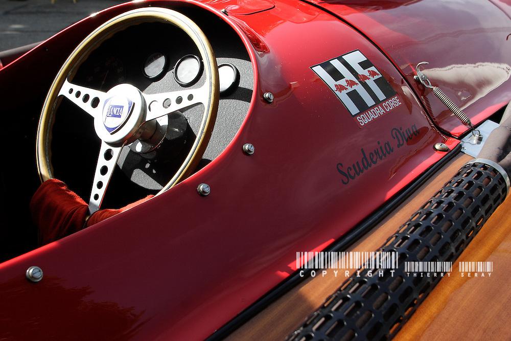 Navig'Aix 2007. Copyright : Thierry Seray..Racer Lambro 500 KG. Années 1960 REUNION DE VIEUX BATEAUX A MOTEUR SUR LE LAC D'AIX LES BAINS. NAVIG'AIX. VIEUX CANOTS AUTOMOBILES. CHRIS CRAFT, HACKER CRAFT, RIVA