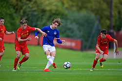 KIRKBY, ENGLAND - Saturday, September 24, 2016: Everton's Antony Evans and Liverpool's Jordan Hunter during the Under-18 FA Premier League match at the Kirkby Academy. (Pic by David Rawcliffe/Propaganda)