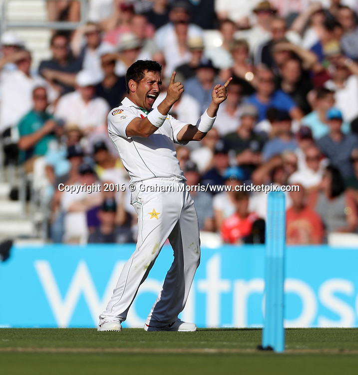 Bowler Yasir Shah celebrates the wicket of James Vince during the 4th Investec Test Match between England and Pakistan at the Kia Oval. Photo: Graham Morris/www.cricketpix.com (Tel:+44(0)20 8969 4192; Email: graham@cricketpix.com) 13/08/2016