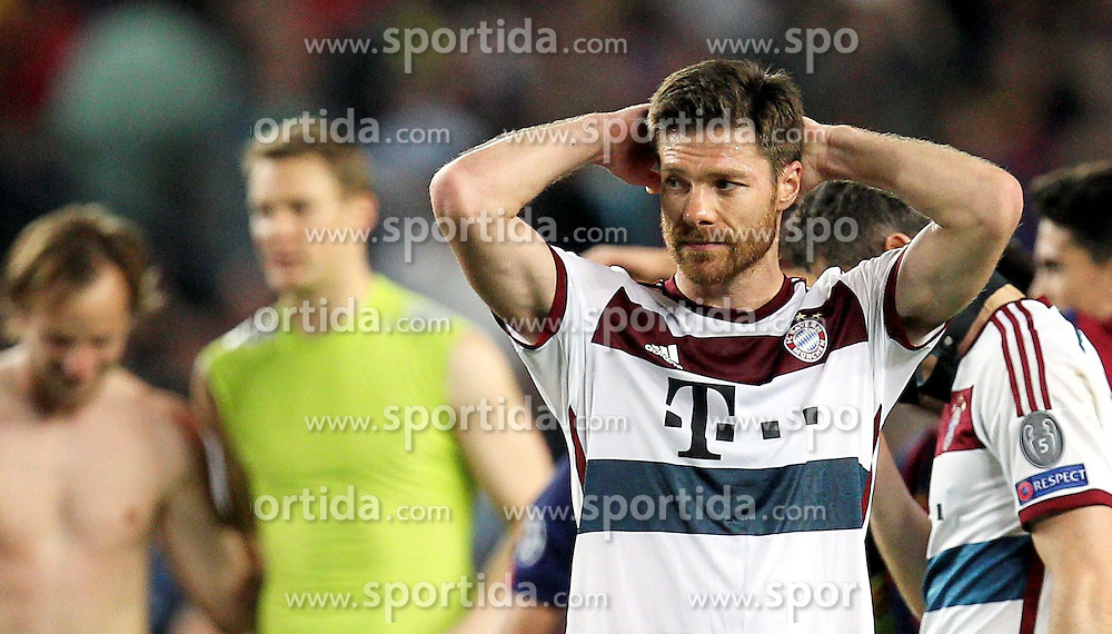 06.05.2015, Camp Nou, Barcelona, ESP, UEFA CL, FC Barcelona vs FC Bayern Muenchen, Halbfinale, Hinspiel, im Bild enttaeuschung bei Xabi Alonso #3 (FC Bayern Muenchen) // during the UEFA Champions League semi finals 1st Leg match between FC Barcelona and FC Bayern Munich at the Camp Nou in Barcelona, Spain on 2015/05/06. EXPA Pictures &copy; 2015, PhotoCredit: EXPA/ Eibner-Pressefoto/ Kolbert<br /> <br /> *****ATTENTION - OUT of GER*****