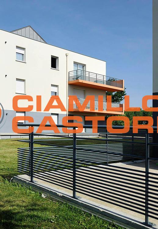 DESCRIZIONE : Immeuble Habitat 35<br /> GIOCATORE : ARCHIPOLE<br /> SQUADRA : Architecte Bertrand Aubry<br /> EVENTO : Architecture<br /> GARA : <br /> DATA : 04/06/2013<br /> CATEGORIA : Exterieur Plan Moyen<br /> SPORT : <br /> AUTORE : JF Molliere<br /> Galleria : France Architecture 2013 <br /> Fotonotizia : Immeuble Habitat 35 Archipole <br /> Predefinita :