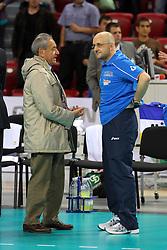 CARLO MAGRI PARLA CON MAURO BERRUTO.ITALIA - GERMANIA.PALLAVOLO TORNEO QUALIFICAZIONE OLIMPICA VOLLEY 2012.SOFIA (BULGARIA) 10-05-2012.FOTO GALBIATI - RUBIN