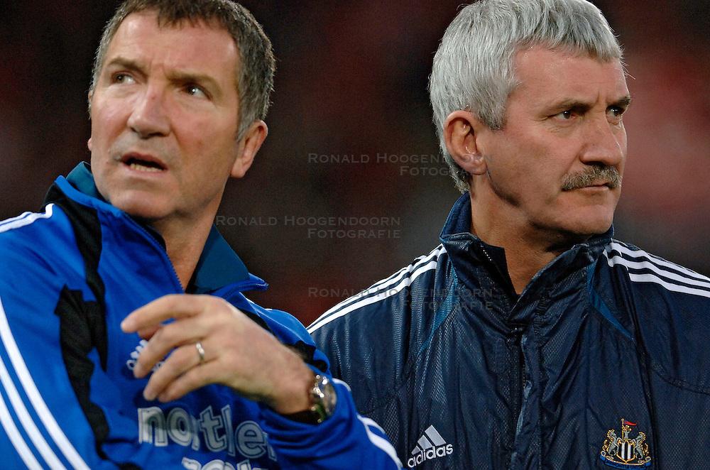 10-03-2005 VOETBAL: UEFA CUP: OLYMPIACOS PIREAUS-NEWCASTLE UNITED: ATHENE<br /> In een beladen wedstrijd wint Newcastle met 3-1 van het griekse Olympiacos - Coach Graeme Souness<br /> &copy;2005-WWW.FOTOHOOGENDOORN.NL