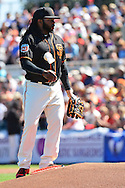 SCOTTSDALE, AZ - MARCH 09:  Johnny Cueto #47 of the San Francisco Giants uses the rosin bag during the spring training game against the Colorado Rockies at Scottsdale Stadium on March 9, 2016 in Scottsdale, Arizona.  (Photo by Jennifer Stewart/Getty Images) *** Local Caption *** Johnny Cueto
