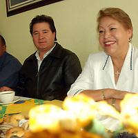 """Toluca, Mex.- María de la Luz Aguilar Alarcón, presidenta de """"Unidos por la Luz Águila A.C."""", en conferencia de prensa, señaló que participará en la Asamblea Nacional del PRI con la ponencia """"La mujer y la creación de la política en el siglo XXI"""". Agencia MVT / José Hernández. (DIGITAL)<br /> <br /> <br /> <br /> NO ARCHIVAR - NO ARCHIVE"""
