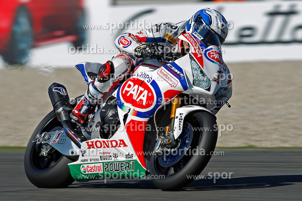 18.04.2015, Assen Circuit, Assen, NED, FIM, Superbike WM, Assen, Qualifying, im Bild 1 Sylvain Guintoli ( FRA ) Honda // during the Qualifying for the FIM Superbike Dutch Grand Prix at the Assen Circuit in Assen, Netherlands on 2015/04/18. EXPA Pictures &copy; 2015, PhotoCredit: EXPA/ Eibner-Pressefoto/ Stiefel<br /> <br /> *****ATTENTION - OUT of GER*****