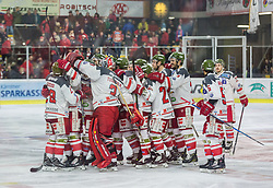 18.3.2018, Stadthalle, Klagenfurt, AUT, EBEL, EC KAC vs HCB Südtirol, 5. Viertelfinalspiel Playoff, im Bild der Siegesjubel des HCB // during the Erste Bank Eishockey League 5th Quaterfinal match between EC KAC vs HCB Südtirol at the City Hall in Klagenfurt, Austria on 2018/03/18. EXPA Pictures © 2018, PhotoCredit: EXPA/ Gert Steinthaler