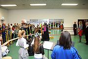 Prinses Maxima bezoekt het muziekproject &lsquo;n Klinkend Perspectief in Multifunctioneel Centrum Landgraaf.<br /> <br /> Princess Maxima visited the music project 's Perspective sounding in the Multifunctional Centre in Landgraaf.<br /> <br /> Op de foto / On the photo: Prinses Maxima