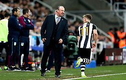 Newcastle United manager Rafa Benitez talks to Matt Ritchie of Newcastle United - Mandatory by-line: Robbie Stephenson/JMP - 20/02/2017 - FOOTBALL - St James Park - Newcastle upon Tyne, England - Newcastle United v Aston Villa - Sky Bet Championship