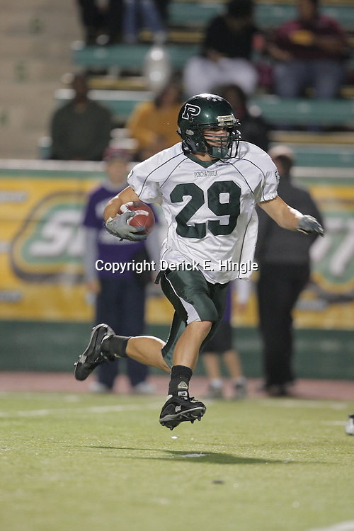 07 November 2008: Ben Schaff #29 The Ponchatoula Green Wave defeated District 7-5A rival the Hammond Tornados 34-13 at Strawberry Stadium in Hammond, LA . The Green Wave with the win clinched a spot in the 2008 playoffs.
