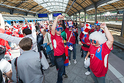 08.06.2012, Bahnhof, Breslau, POL, UEFA EURO 2012, Russland vs Tschechien, Gruppe A, im Bild Fans von Tschechien // during the UEFA Euro 2012 Group A Match between Russia and Czech Republic at the Trainstation, Wroclaw, Poland on 2012/06/08. EXPA Pictures © 2012, PhotoCredit: EXPA/ Newspix/ Sebastian Borowski..***** ATTENTION - for AUT, SLO, CRO, SRB, SUI and SWE only *****