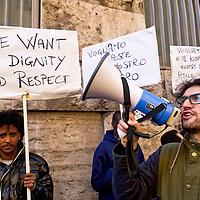 Migranti  protestano e chiedono dignità e rispetto