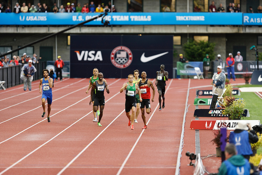 men's 800 meter final homestretch, Nick Symmonds, winner